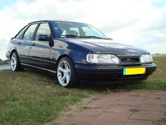 Show me Ford Sierras! Ford Sierra, Ford Rs, Car Ford, Mid Size Car, Ford Classic Cars, Ford Escort, Car And Driver, Retro Cars, Mountain Range