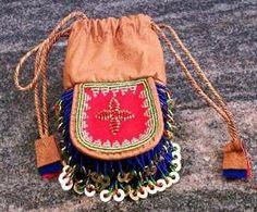 Bilderesultat for sami duodji Handicraft, Drawstring Backpack, Crafts, Bags, Craft Ideas, Life, Inspiration, Design, Fashion