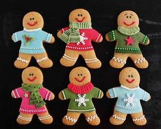 Excellent Photos Christmas cookies - gingerbread men Tips The best overnight vacation holiday in the Pacific Northwest is The Lights of Xmas in Stanwood, WA Cute Christmas Cookies, Iced Cookies, Christmas Sweets, Christmas Cooking, Noel Christmas, Holiday Cookies, Christmas Candy, Gingerbread Man Decorations, Gingerbread Man Cookies