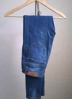 Kup mój przedmiot na #vintedpl http://www.vinted.pl/damska-odziez/dzinsy/11234791-zara-rurki-rozmiar-38-przetarcia-dziury
