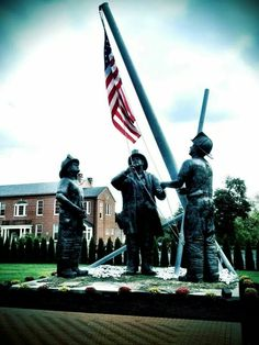 National Fallen Firefighter Foundation Firefighter Paramedic, Firefighter Pictures, Memorial Park, Fire Apparatus, Fire Department, Google Images, Statue Of Liberty, Firefighting, Memories