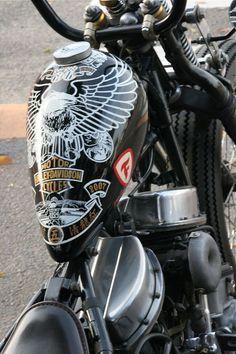 black white & gold eagle tank on panhead springer custom - Biker Apparel - Motos Bobber Custom, Custom Motorcycles, Custom Bikes, Custom Helmets, Custom Harleys, Motos Harley Davidson, Bobbers, Vespa 125, Moto Fest