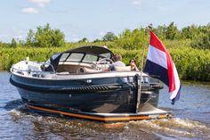 Makma introduceert de nieuwe Makma Caribbean 31 MK3 Greece House, Ski Nautique, Boat Interior, Castle House, Yacht Boat, Boat Design, Small Boats, Wooden Boats, Water Sports