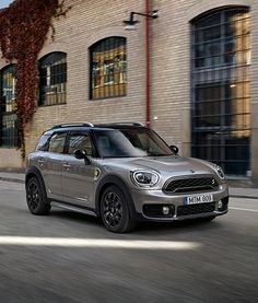 Energise your everyday with the new MINI Countryman plug-in hybrid. Energise your everyday with the new MINI Countryman plug-in hybrid. New Mini Countryman, Cooper Countryman, Mini Cooper Clubman, Country Man, Mini Cooper Models, Mini Cooper 2017, My Dream Car, Dream Cars, E Mobility