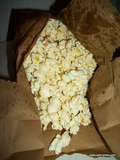 Microwave Kettle Corn I love me some kettle corn, can't wait to try this!