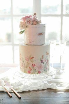 Pastel Floral Cake   The Round House Bakery   Amanda Watson Photography   Forever Cole Events #wedding #bridesofok #weddinginspiration #cake #floralweddingcakes