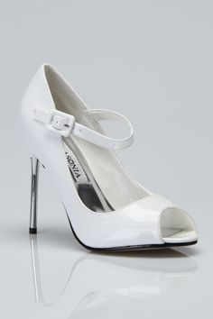 Lasonia Pump In White Patent - Beyond the Rack