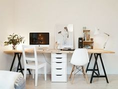 You will not mind getting work performed with a home office like one of these. Discover motivation for your home office design with ideas for design, storage space and furniture. Mesa Home Office, Home Office Space, Office Workspace, Home Office Desks, Office Decor, Office Ideas, Office Designs, Apartment Office, Ikea Office