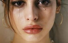Γιατί οι γυναίκες κλαίνε πιο εύκολα από τους άντρες;