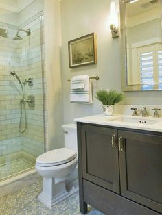 1000 images about para la casa on pinterest balcony for Small hall bathroom remodel ideas