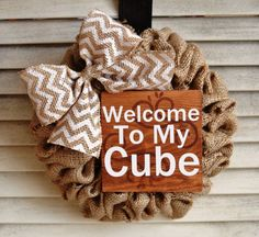 Cubicle Wreath Desk Wreath Burlap Wreath by EllitonCrossing Office Cubical Decor, Work Cubicle Decor, Cute Cubicle, Cubical Ideas, Cubicle Organization, Cubicle Design, Office Ideas, Office Workspace, Cubicle Makeover