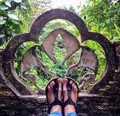 Definitivamente uno de los lugares más mágicos de México... Caminar el castillo surrealista de Sir Edward James en Xilitla es como caminar un sueño. #caminomexico #viajarmexico #viajerafeliz #travelblogger #bloggerdeviajes #viajarparamialma #travelwoman #travelingfeet #pasosviajeros #piesviajeros #WorldTravelingFeet #walkmexico #wanderlust #xilitla #sanluispotosi #SLP #huasteca #surrealista #sureal #castle #TuBlogDeViajes by worldtravelingfeet