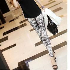 Women's Fashion Snake Grain Pattern Slim Legging. Black and white design! Cool!