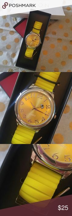 Yellow bumblebee bracelet watch Avon Adorable perfect for spring or a preteen girl. This watch is counting Critters silicone watch in the color yellow the hand has a tiny bumblebee on it that goes around the watch. Just adorable new in the box never used all jewelry owned by me purchase directly from the Avon Corporation ⭐ I love realistic offers make a bundle I'll give you a private offer with discount shipping Avon Jewelry