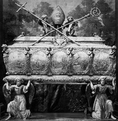 Silver sarcophagus of Saint Stanislaus by Peter von der Rennen in Gdańsk and Jakob Jäger I (or II) in Augsburg, 1669-1671, Wawel Cathedral. The first Baroque silver reliquary of Saint Stanislaus commissioned by King Sigismund III Vasa in 1630 in Augsburg was destroyed in 1657 by Swedish troops of Paul Würtz. New reliquary was commissioned it in the workshop of Peter von der Rennen in Gdańsk, who also created silver sarcophagus of Saint Adalbert in Gniezno. #17thcentury #artinpl #1660s Great Names, 17th Century, Archaeology, Baroque, Cathedral, Saints, Statue, History, Silver