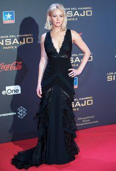 Jennifer Lawrence The Hunger Games Mockingjay Part 2 red carpet