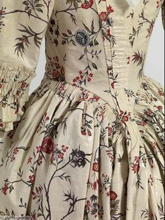 Robe à l'Anglaise, back, 1770-1780, Mode Museum.