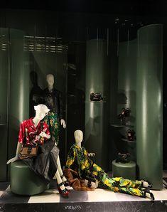 dd0b2621edaa Mizhattan - Sensible living with style   SUNDAY WINDOW SHOPPING  Gucci   amp  Prada. Display ...