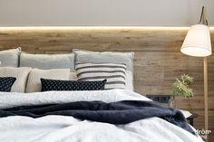 #Balmes #interiorDesign #DrömLiving #decoraciónDormitorio #textiles #madera Barcelona 2017, Interiores Design, Textiles, Bed, Furniture, Home Decor, House Decorations, Master Bedroom, Flats