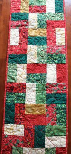 Traditional Quilted Christmas Table Runner by JennyMsQuilts