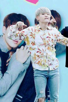 close that damn mouth, Yoongi! Daegu, Agust D, Min Yoongi Bts, Min Suga, Yoonmin, Bts Boys, Bts Bangtan Boy, Bts Jimin, Jhope