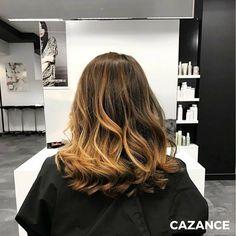 Lise souhaitait apporter un changement radical à sa chevelure, ainsi qu'une bonne dose de luminosité. Amanda a réalisé une coupe transformation pour apporter modernité & légèreté à l'ensemble de la chevelure. Suivie d'un balayage ombré tendance qui met l'effet racine à l'honneur & d'un coiffage ondulé souple. N'hésitez-pas à consulter nos spécialistes en coiffure ☎ +41 (0)22 320 52 52  #Coiffure #Coiffage #Coloration #Balayage #LaBiosthetique #Suisse #Geneve #Geneva Balayage Ombré, Ainsi, Hair Extensions, Hair Cuts, Hair Color, Long Hair Styles, Beauty, Change Management, Switzerland