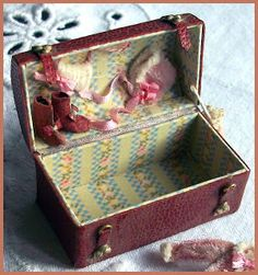 Free Trunk Pattern with Link to Tutorial