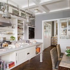 This kitchen is so nice, I will pin it thrice