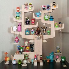 "Don't let your jaw drop too hard… Gary Ham's brilliant ""Autumn Stag"" Designer Toy display!"
