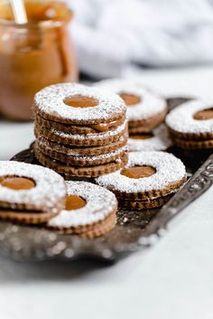 Gingerbread Linzer Cookies with Dulce De Leche Centers (Broma Bakery) Crinkle Cookies, Linzer Cookies, Köstliche Desserts, Delicious Desserts, Dessert Recipes, Health Desserts, Ginger Bread Cookies Recipe, Cookie Recipes, Holiday Baking