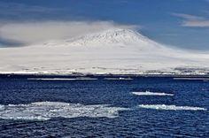Die Ross-Insel wird dominiert vom Mount Erebus, dem aktivsten Vulkan Antarktikas und zugleich südlichsten der Erde.