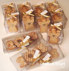 Biscoitos de Natal e Ano Novo Christmas Deserts, Holiday Snacks, Christmas Treats, Christmas Cookies Packaging, Christmas Sugar Cookies, Dessert Packaging, Cookie Packaging, Cute Cookies, Cupcake Cookies