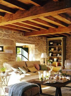 maison familiale rurale carquefou avec murs de pierres