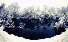 Winter River by snipes2.deviantart.com