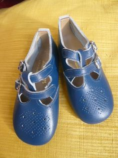 vintage british children's shoes, wish they came in my size