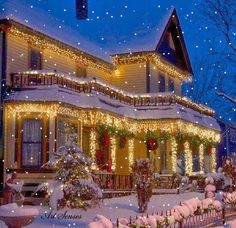 Of all the home businesses out there, Christmas Light Installation businesses may be one of the best kept secrets around. Most people think of hanging Christmas lights as a low paying, low potential, grunt work job, and therefore they Christmas Scenes, Noel Christmas, Merry Little Christmas, Victorian Christmas, Winter Christmas, Christmas Lights, Country Christmas, Winter Snow, Victorian Porch