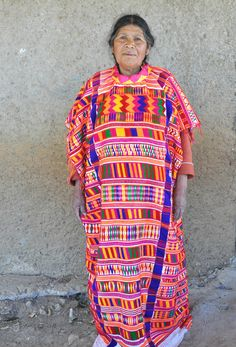 Oaxaca Mixtec Woman Mexico A weaver of extraordinary huipiles. Mexican Costume, Mexican Outfit, Mexican Dresses, Mexican Traditional Clothing, Traditional Dresses, Outfits For Mexico, Mexican Textiles, Folklore, Mexican Fashion