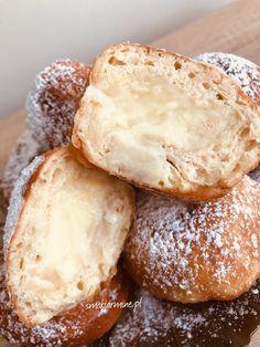 Pączki erewańskie z kremem waniliowym * Kulinarne życie Armine Bread, Desserts, Food, Tailgate Desserts, Dessert, Breads, Postres, Deserts, Bakeries
