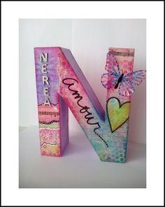 Letra decorada con mixed media