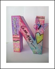 Letra decorada con mixed media