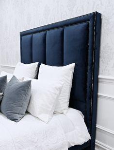 Best bed linens for your home Bedding Master Bedroom, Blue Bedroom, Bedroom Decor, Chesterfield Bed, Home Design, Navy Bedding, Chic Bedding, Dorm Bedding, Casa Milano