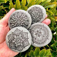 Friday afternoon at the pool watching daughters' swimming lessons, had a pen and pebbles. (We'll call it watching by location association). Mandala Painted Rocks, Mandala Rocks, Stone Mandala, Pebble Painting, Stone Painting, Rock Painting, Mandala Drawing, Mandala Art, Rock Design