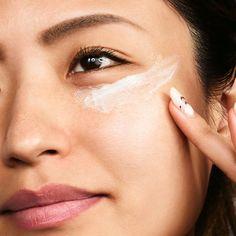 Tarte Maracuja C-Brighter Eye Treatment Beauty Care, Beauty Skin, Beauty Hacks, Beauty Ideas, Diy Beauty, Makeup Tips, Eye Makeup, Dry Eyes Causes, Hair