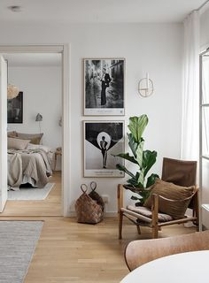 Small and stylish studio - via Coco Lapine Design blog