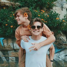 Mikey Murphy and Luke Korns //BFF —YouTube
