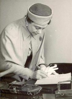 ilk Türk kadın ressamlarından Emine Fuat Tugay (1897-1975)