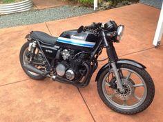 Kawasaki Cafe Racer, Kawasaki Bikes, Vintage Cafe Racer, Riders On The Storm, Moto Cafe, Biker Boys, Bobber Chopper, Street Tracker, Street Bikes