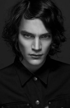 Jaco van den Hoven - Model Express Yourself (Fiasco Magazine) Jaco Van Den Hoven, Marc Schulze, Matthew Clavane, Beautiful Boys, Beautiful People, The Vampire Chronicles, Photo Reference, Male Beauty, Pretty People