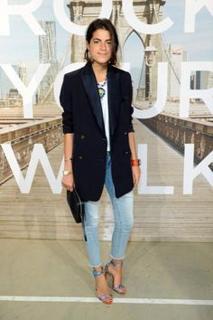 Leandra Medine: My kind of uniform: jeans and a white shirt! Loving this oversized blazer too! Go to tillysveaas.co.uk to add some chunky or fine silver or gold jewellery 💥 Blazer Fashion, Denim Fashion, Trendy Fashion, Fashion Outfits, Fashion Black, Petite Fashion, Curvy Fashion, Fall Fashion, Fashion Tag