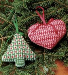 Chicken Scratch Ornament Craft | Christmas Crafts | Sewing Crafts | Love the Country